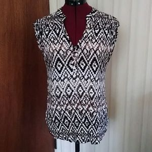 Cable & Gauge sleeveless blouse